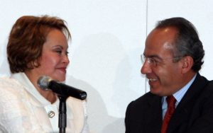 El burdo NO a Calderón y Elba Esther